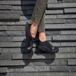 Les #chaussuresPiedsNus #leguano city sont un modèle intemporel qui vous rend prêt(e) à toute éventualité ! Votre corps est merveilleux, respectez-le, foncez !⠀ ⠀ #chaussures #BienEtre #confort #Pieds #santé #posture #chaussuresminimalistes #instashoes #instafashion #barefoot #minimalistes #leguano #PiedsNus #chaussuresminimalistes #chaussuressouples #chaussuresconfort #chaussuresphysiologiques #souplesse #orteils #halluxvalgus ##PiedsSensibles #kinésithérapie #naturopathie #ostéopathie #dropnul #zerodrop #madeingermany #barefooting