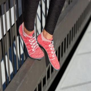 De la #couleur en #hiver ! Sans compromis sur le confort des #pieds !⠀ ⠀ #instashoes #couleurenhiver #pink #rose #chaussuresroses #chaussuresconfort #confort #confortdespieds #chaussuressouples #zerodrop #lfr #prendresoindesespieds #bienetre #santé #posturologie #kinésithérapeuthe