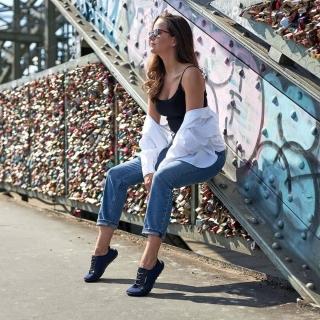 Les #leguano #city sont un modèle très confortable et polyvalent. Très agréable en toutes saisons, disponible en noir et en bleu, il s'accorde facilement à vos tenues. Ultra léger, il laisse vos orteils libres de leurs mouvements, pour la meilleure santé de vos #pieds. 👣 #chaussuressouples #chaussuresphysiologiques #chaussuresbarefoot #instashoes #barefootshoes #minimalistes #halluxvalgus #santedespieds #santeaunaturel #santé