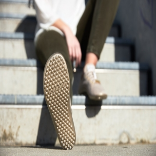 La spécificité des #chaussuresPIedsNus #leguano est notamment liée à notre semelle brevetée, ultra-souple, qui suit les mouvements de vos #pieds comme une seconde peau, et sans colle ! En outre, à l'heure de la #mondialisation, leguano a fait le choix dès sa création il y a dix ans de #fabriquer en #Allemagne. ⠀ ⠀ #semelle #chaussures #madeinGermany